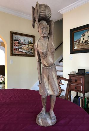 Lovely tall uniquely far wood Woman statue more than 30 inches tall for Sale in West Palm Beach, FL
