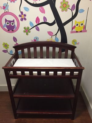 Crib and changing table!!!! for Sale in Fairfax, VA