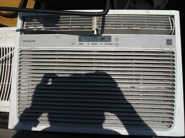 FRIGIDAIRE 15,100 BTU IN WINDOW UNIT WITH REMOTE