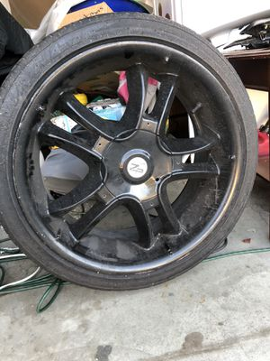 "20"" tires and rim set for Sale in Bakersfield, CA"