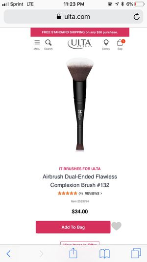 NEW IT COSMETICS DUAL ENDED MAKEUP BRUSH for Sale in Frederick, MD