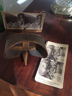 Antique Wooden Stereoscope Viewer for Sale in West Richland, WA