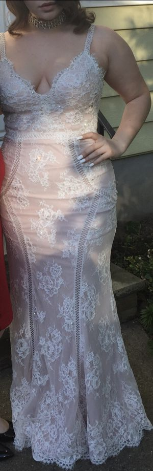 Beautiful dress for prom or parties size 6 please check my other listings for Sale in Roselle Park, NJ