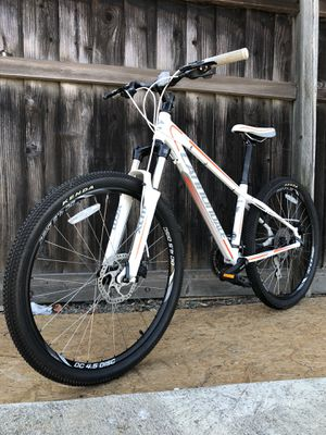 Cannondale Trail Five 5 Mountain Bike MTB Specialized. Santa Cruz. Giant. Trek. for Sale in Fremont, CA