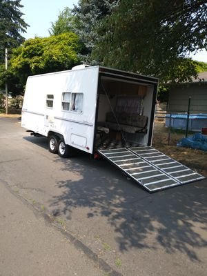 2000 year Fully self contained Nice little trailerw/ garage 23 ft. everything works pulls light tasker toy hauler toy hauler for Sale in Portland, OR