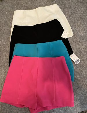 Women's shorts size med for Sale in El Paso, TX