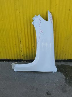 2015,,2020 Chevy Colorado Left Fender Oem for Sale in Torrance,  CA