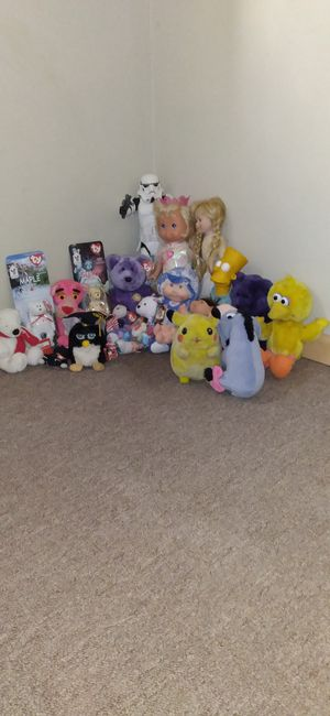 EXCLUSIVE ASSORTMENT of RARE VINTAGE PORCELAIN and PLUSH DOLLS for Sale in Connelly Springs, NC
