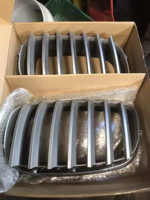 2007 BMW X5 hood grill (set of two) for Sale in Halethorpe, MD