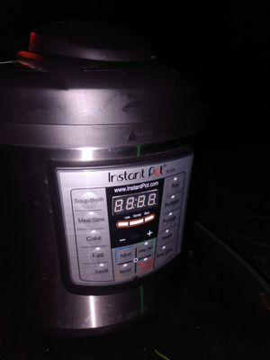 Instant pot crock pot for Sale in Tacoma, WA