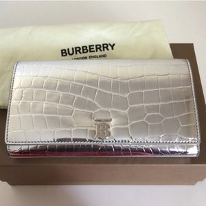 Burberry - Metallic Croc Clutch With Chain for Sale in NJ, US