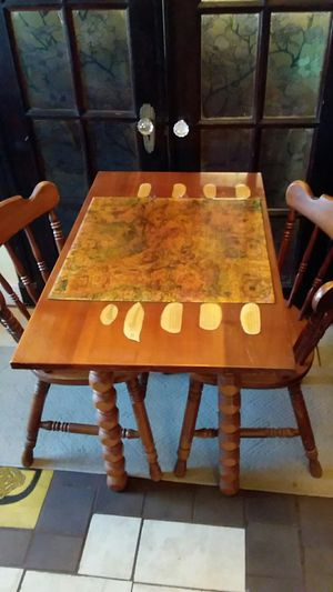 Small Table Set with 2 Chairs for Sale in Newport News, VA