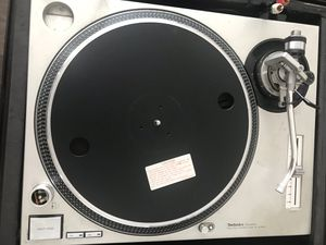 Technic 1200 Turntable with Flight case. for Sale in Charlotte, NC