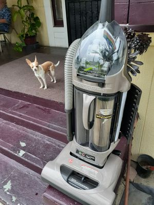 Hoover WindTunnel Bagless for Sale in Los Angeles, CA