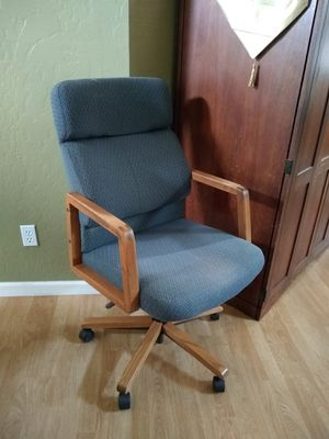 Comfortable Desk Chair for Sale in Mesa, AZ