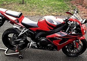 Interesting red/black 2007 Honda 1000 rr motorcycle for Sale in Lafayette, LA