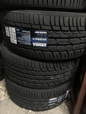 265/35/22 new tires for Sale in Arlington, TX