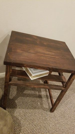 Rustic side table for Sale in Vancouver, WA