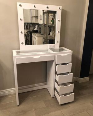 Vanity with mirror for Sale in Phoenix, AZ
