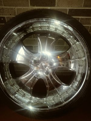 22 inch chrome rims needs tires for Sale in Detroit, MI