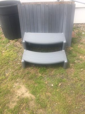 Hot tub steps blue perfect condition for Sale in Pringle, PA
