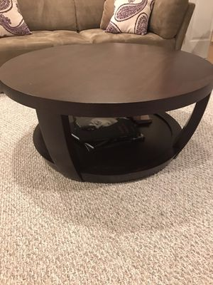"""Coffee table/ wheels/round 38"""" diam x 17""""H for Sale in Medford, NJ"""