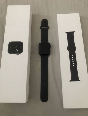 Apple Watch 5 Series 44 mm for Sale in Hensley, AR