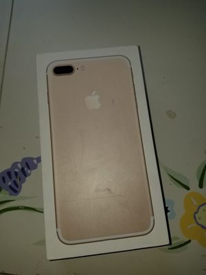 Gold iPhone 7s plus 128 GB for Sale in Fresno, CA