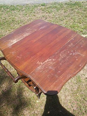 Pennsylvania house breakfast table for Sale in Clarksville, TN