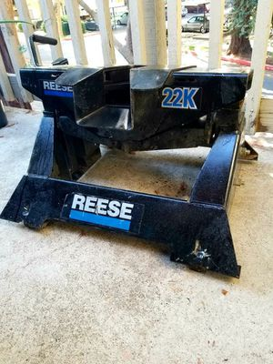 Reese 22K Fifth Wheel Hitch for Sale in Sacramento, CA