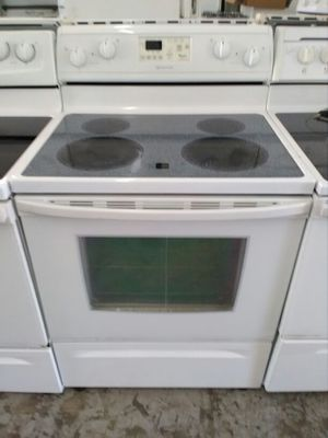 Whirlpool self cleaning stove for Sale in Miami, FL