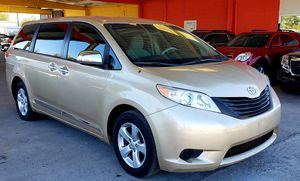 2012 TOYOTA SIENNA DVD 4 CIL REDUCED PRICE FIRM for Sale in Grand Prairie, TX