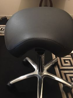 Ergonomic Hydraulic Rolling Stool Chair for Sale in Los Angeles,  CA