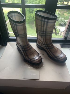 Burberry Rain boots size 38 for Sale in Philadelphia, PA