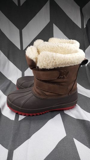 Kids warm waterproof snow boots boys size 6 shipping available for Sale in Manheim, PA