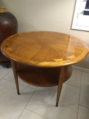 Lane mid-century modern end accent or coffee table for Sale in Phoenix, AZ