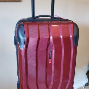 "MiUSA 20"" Hard Side Polycarbonate Luggage w/ 4x4 Spinner Wheels, Red for Sale in Richmond, VA"