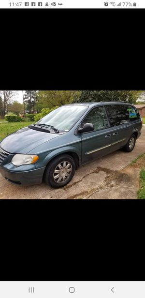 2007 Chrysler Town & Country Touring Minivan for Sale in Fayetteville, GA
