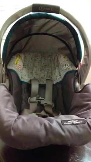 Car seat for infant for Sale in Lynwood, CA