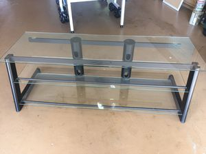 TV stand with tempered glass. for Sale in Tamarac, FL