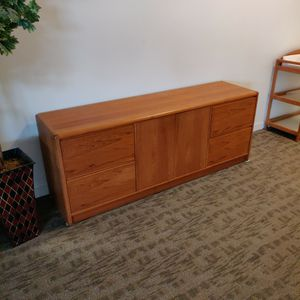 Hutch for Sale in Bellevue, WA