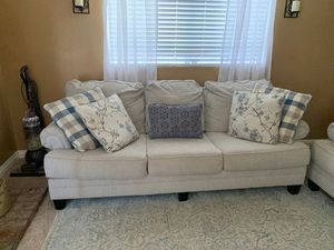 Mathis Brothers Sofa and Loveseat with pillows for Sale in Fontana, CA