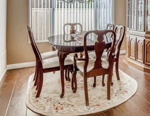 DINING TABLE W/6 CHAIRS & TABLE PAD for Sale in Vista, CA