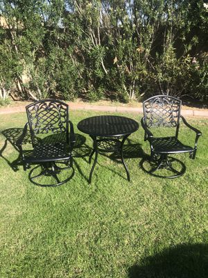 Patio set table and two swivel rocking chairs. (Tempe) for Sale in Tempe, AZ