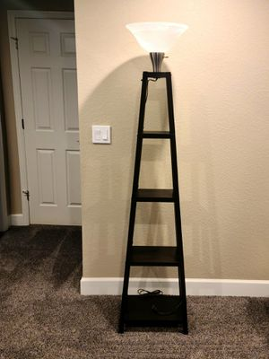 3 way floor lamp for Sale in Longmont, CO