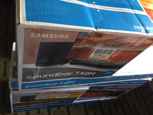 Samsung 170 w 2.1 channel sound bar with wireless subwoofer for Sale in Lynchburg, VA