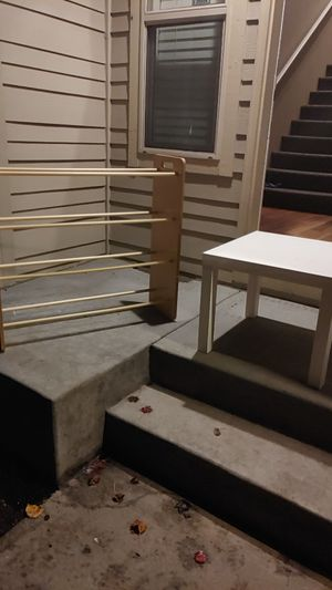 Free toy rack and end table. for Sale in Vancouver, WA