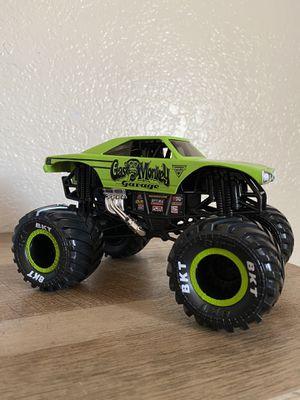 Spin Master Monster Jam Gas Monkey Garage Monster Truck (1:24 Scale) for Sale in Fresno, CA
