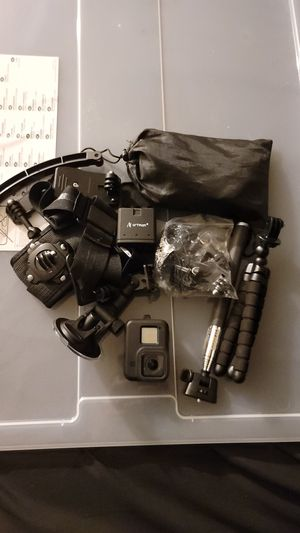 Gopro hero 8 black with accessories and batteries for Sale in Denver, CO