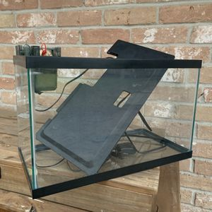 10 Gal Fish Tank for Sale in Houston, TX